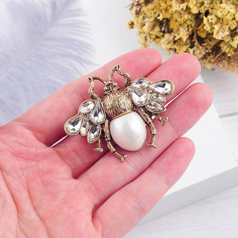 Women's Bohemian Bee Shaped Brooch Best Sellers Brooches cb5feb1b7314637725a2e7: Blue|White