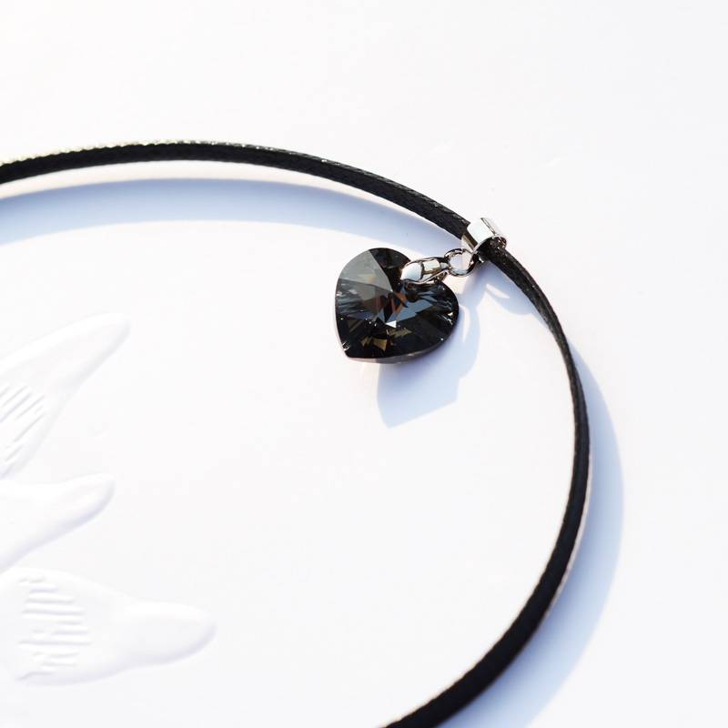 Women's Choker with Heart Shaped Pendant Chokers & Pendants ae284f900f9d6e21ba6914: 1|2|3|4|5|6|7|8