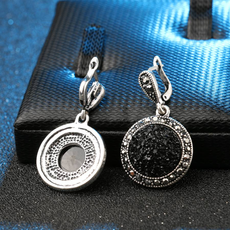 Classic Shimmering Women's Crystal Earrings Earrings 5d5b78699e57104f2fa03b: 1 Pair