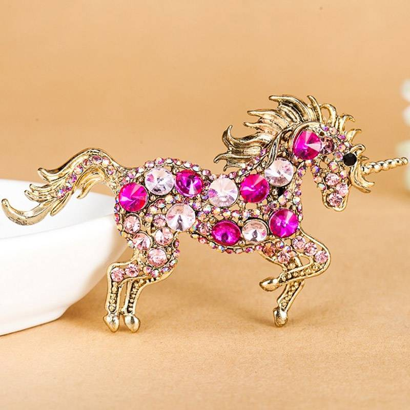 Kawaii Vintage Horse Shaped Women's Brooches Brooches cb5feb1b7314637725a2e7: Brown|Green|Purple