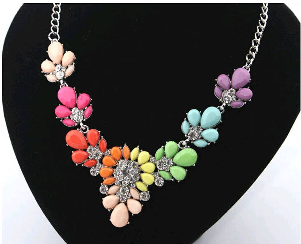 Women's Floral Design Necklace Necklaces cb5feb1b7314637725a2e7: Blue|Multi|Red