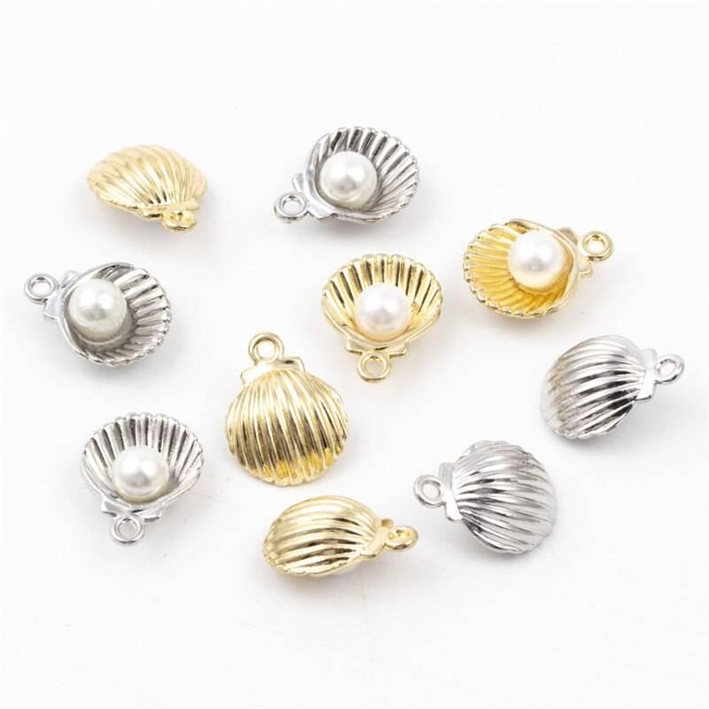 Women's Seashell Shaped Charms Set