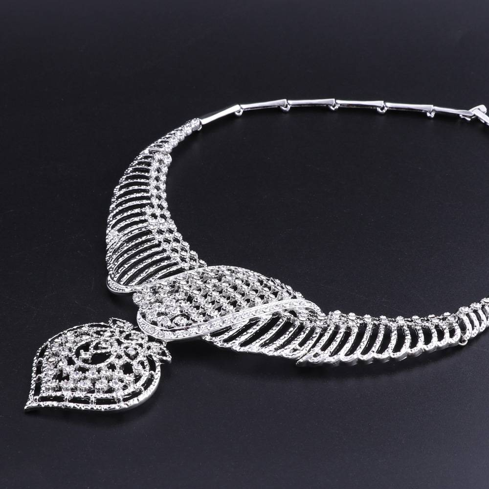 Women's Silver Plated Crystal Ornamented Jewelry Set